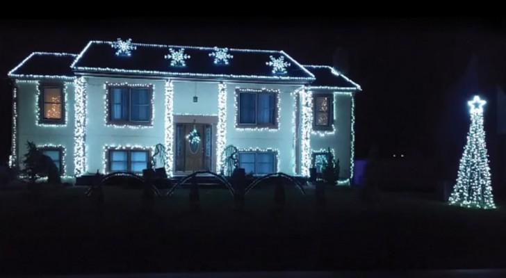 Cubre la casa con mas de 18.000 LED: el espectaculo es electrizante