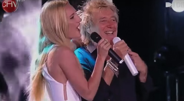 Rod Stewart and daughter Ruby Stewart together on stage!