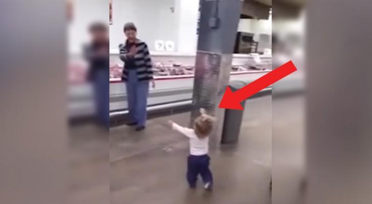 El adorable Tour de esta niña por el supermercado les sacara una sonrisa sobre los labios