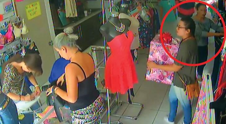 Die Händlerin ist unaufmerksam und zwei Kunden begehen einen Diebstahl wie Arséne Lupin