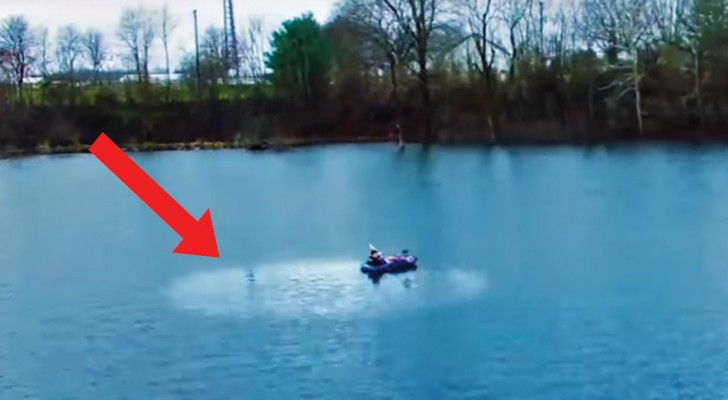 Regardez ce qu'on peut faire en versant dans un lac une cuillère d'huile