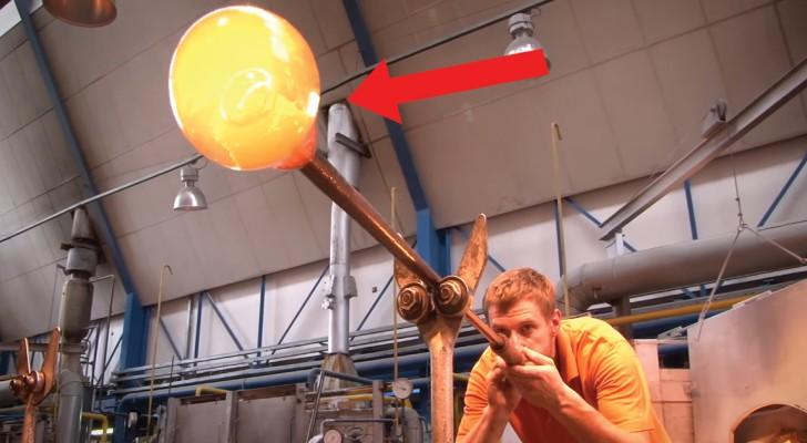 Watch A Master Glass Sculpture Artist create a stunning DRAGON!