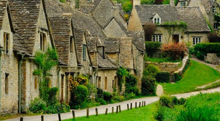 È stato scelto per essere raffigurato sul passaporto nazionale: ecco a voi il più bel villaggio d'Inghilterra!