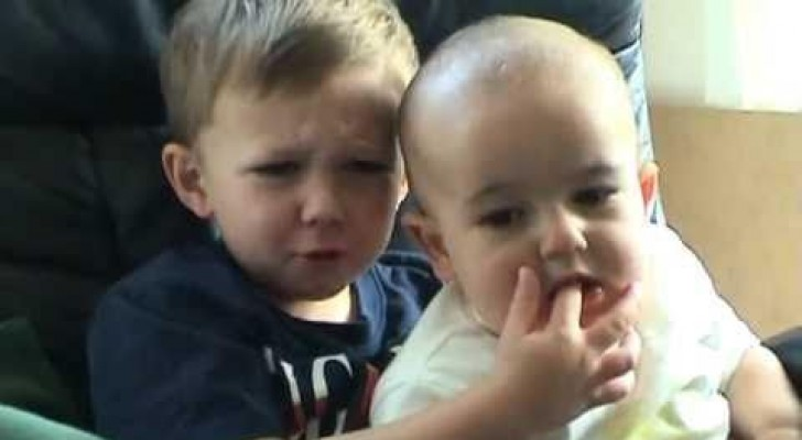 Charlie non mordere il mio dito!
