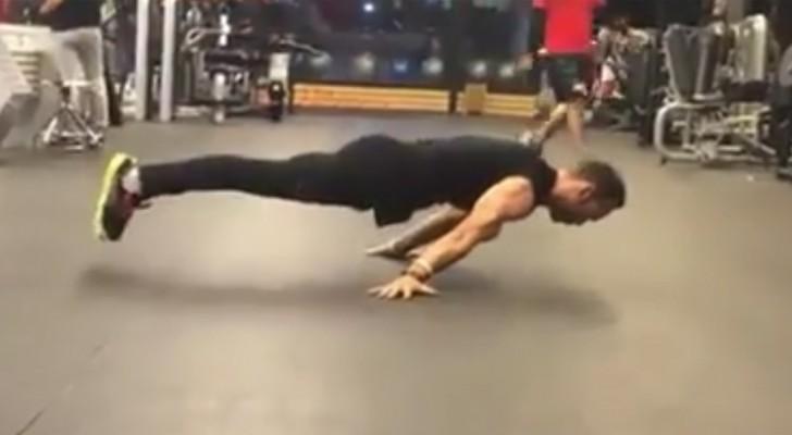 Gymnastik extrem: dieser junge Mann hat außergewöhnliche Fähigkeiten