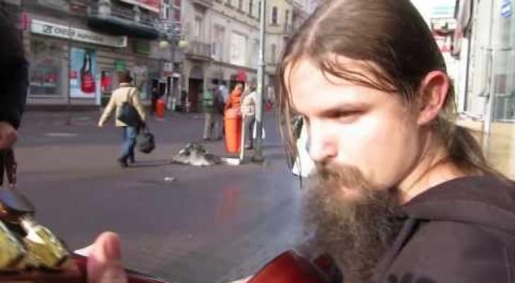 Le guitariste de rue par excellence