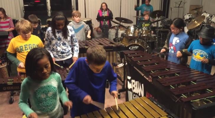 50 Schüler spielen LED ZEPPELIN: genießt ihre wunderschöne Version