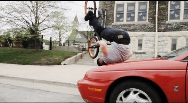 Freestyle bike tricks with Tom Knoll