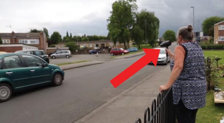 Los vehiculos superan los limites de velocidad: esta señora interviene con un metodo excepcional