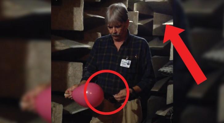 Fora un palloncino in una camera anecoica: l'effetto è davvero affascinante