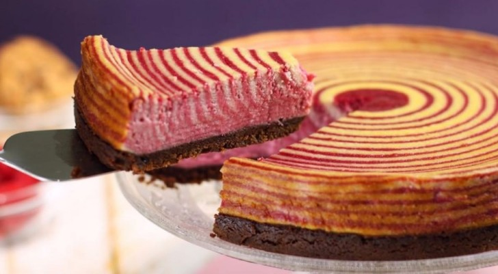 Ecco la torta di lamponi più bella che potete preparare... per non parlare di quanto è buona!