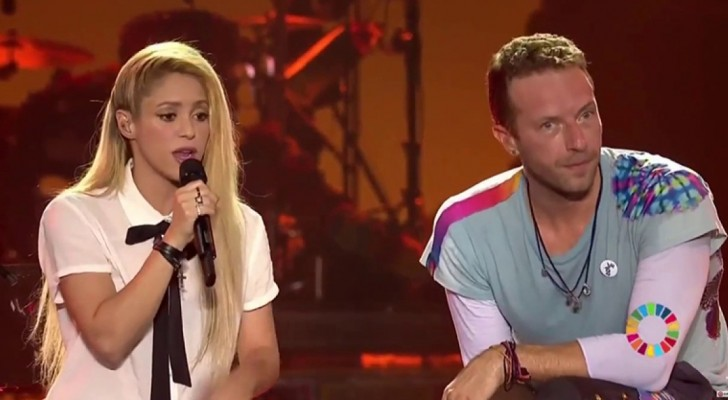 Suprise Coldplay and Shakira Duet at a live concert!