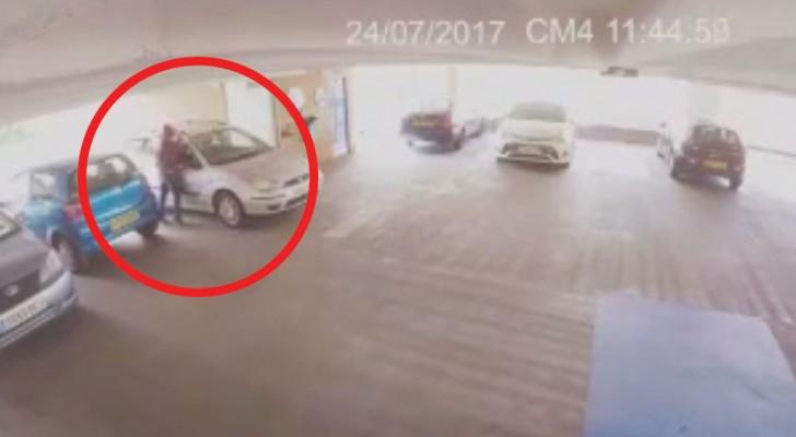 Ein Dieb versucht, ein Auto zu stehlen, aber er weiß nicht, dass er es mit einem erfahrenen MMA-Kämpfer zu tun haben wird