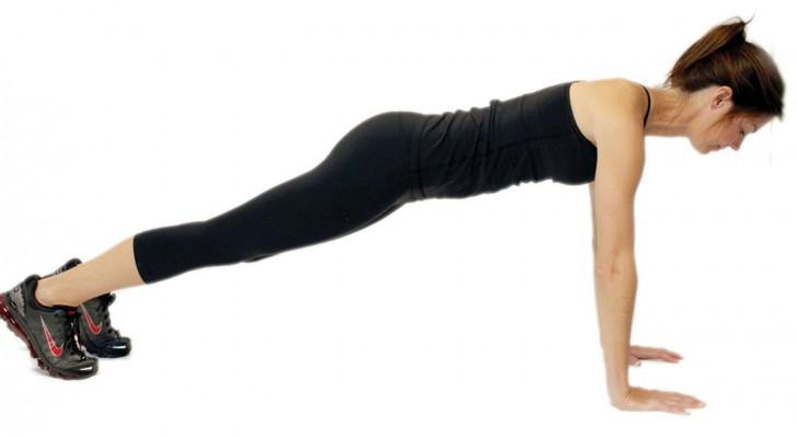 5 semplici esercizi per restare in forma senza nemmeno accorgertene