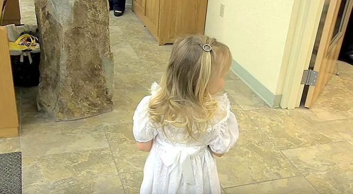 La damigella non vuole percorrere la navata: l'inizio della cerimonia viene salvato dal testimone