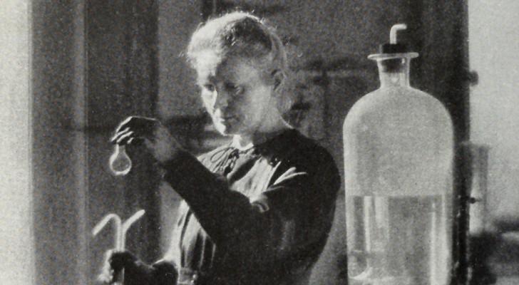 Marie Curie è morta più di 80 anni fa, ma i suoi resti e i suoi oggetti sono ancora pericolosamente radioattivi