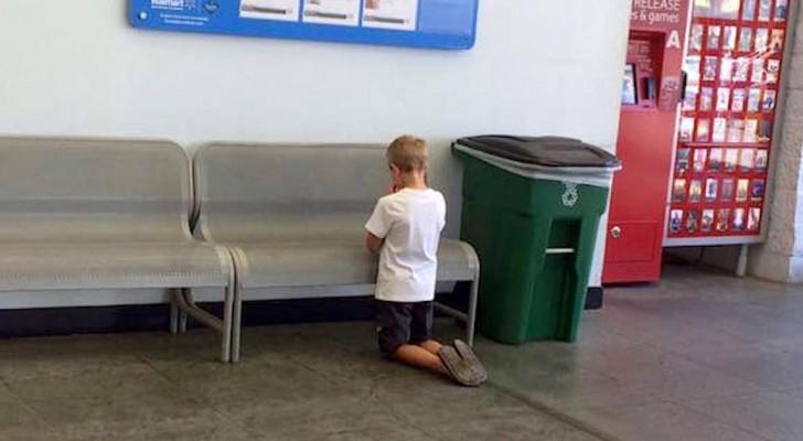 Une mère surprend son fils agenouillé au supermarché : son geste a ému toute une nation.