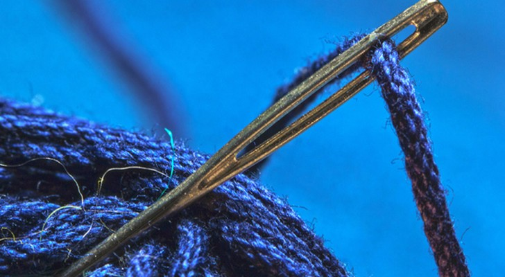 Você sempre colocou o fio na agulha da maneira errada: veja como se faz!