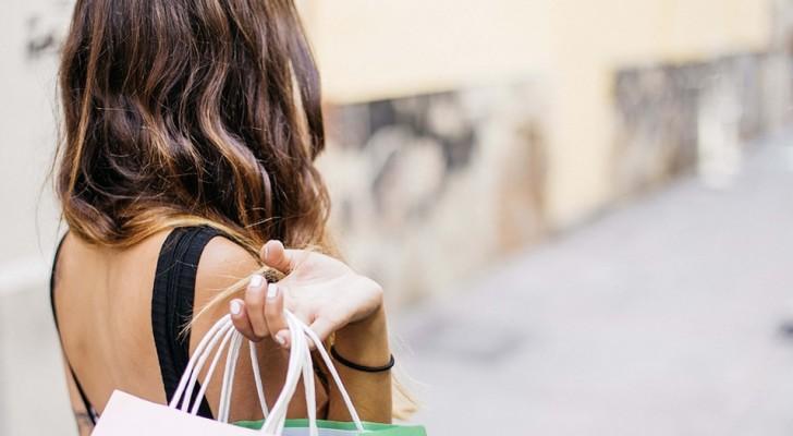 Lo shopping è terapeutico, fa bene, riduce lo stress e fa anche dimagrire: potete dire addio ai sensi di colpa