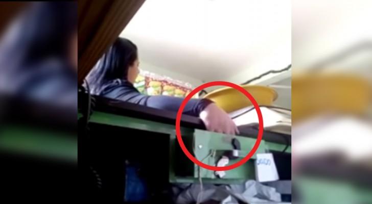 Rubava i soldi dalla cassa, poi i proprietari hanno messo una trappola per topi: ecco il momento della scoperta