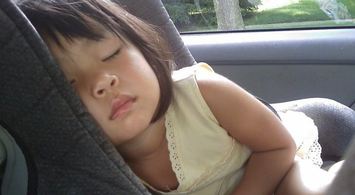 Om du ska ta hand om ett barn så bör du inte ta emot det medan det sover, den här barnvakten förklarar varför