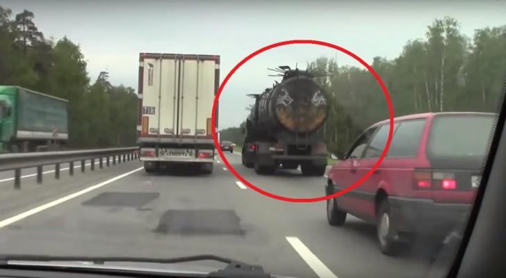 O caminhão russo de filme de terror