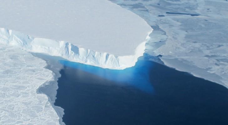 I ricercatori hanno scoperto una fonte di calore che sta sciogliendo l'Antartide dal basso
