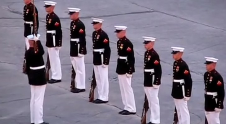 Top FAIL during a military silent drill !