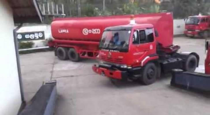 Este motorista faz uma manobra com o caminhão que muitos não conseguiriam fazer com o carro