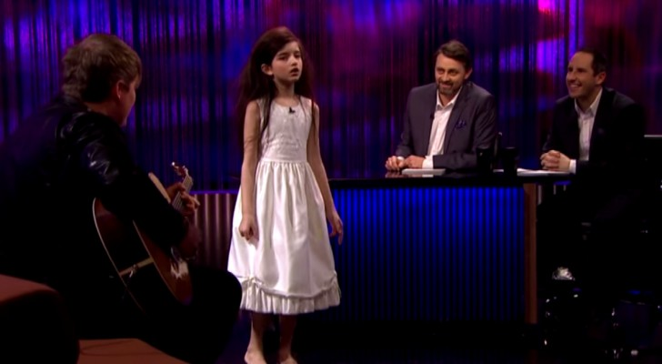It is impossible to believe that a 7 year old can sing a classical jazz piece with this incredible style !