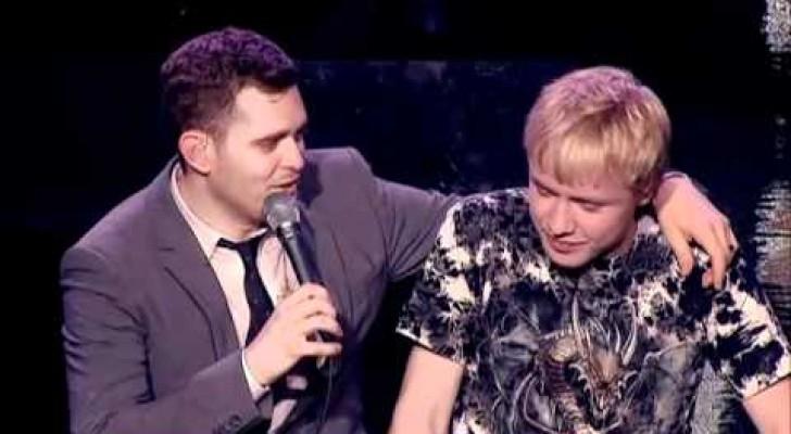 Een moeder haalt Michael Bublé over om te zingen met zijn zoon: dit verwacht je niet