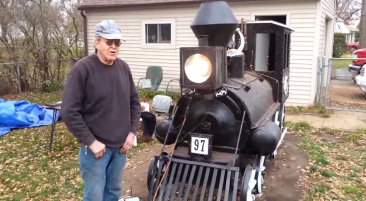 It may seem like a replica of a steam engine train, but WAIT and see what's inside !