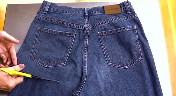 Een vrouw verknipt een oude spijkerbroek: wat ze maakt is echt slim!