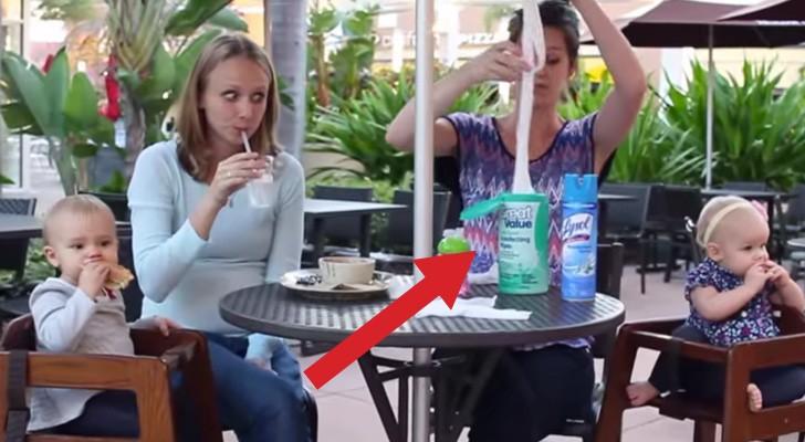 Twee moeders zitten aan tafel: wat er kort daarna gebeurt is hilarisch!