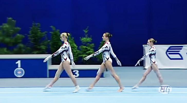 3 gimnastas inician los ejercicios y el publico queda ATRAPADO de su perfeccion