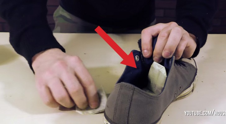 Il met des sachets de thé dans une vieille chaussure: voici 8 astuces vraiment... infaillibles!