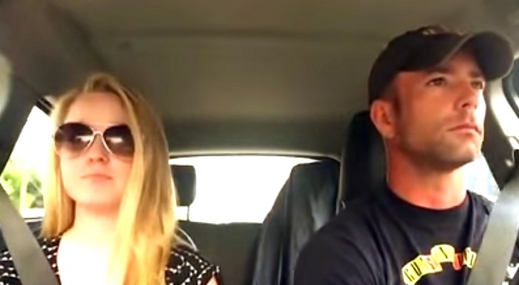 Father and daughter are in the car: when the music starts ... what a performance!