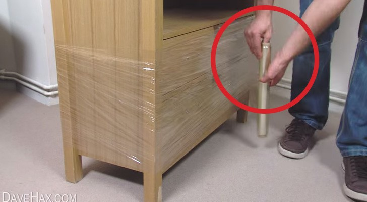 Wraps a piece of furniture with some cling film ... Here is a really unique trick!