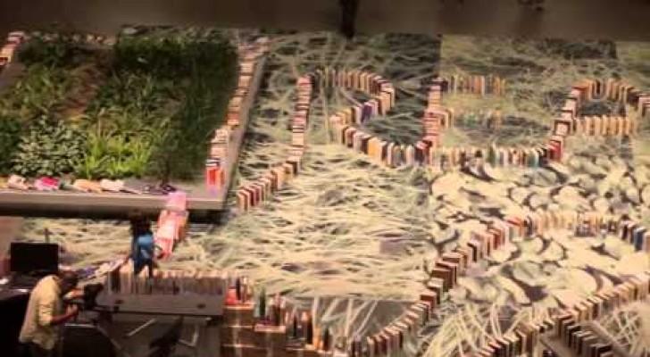 Il domino di libri più lungo del mondo
