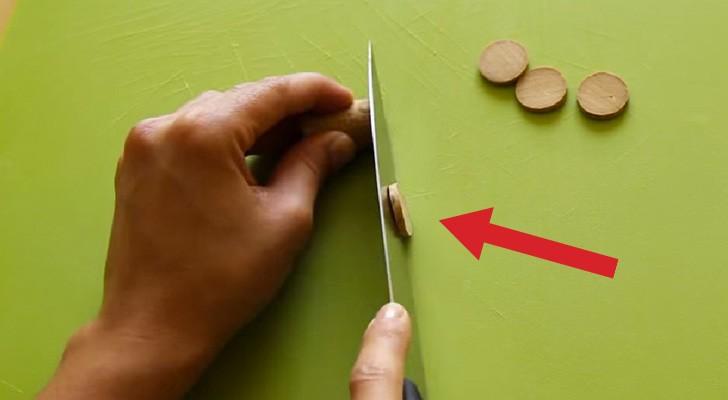 Corta a fetas una tapa de corcho y nos desvela un truco creativo y sorprendente