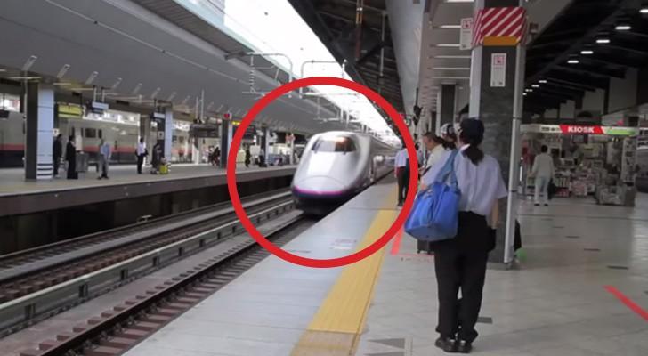 Un tren llega a la estacion: lo que pasa en los sucesivos 7 MINUTOS es milagroso!