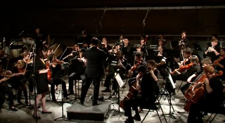 Un 39 intera orchestra suona bohemian rhapsody dei queen for Planimetrie domestiche di un livello