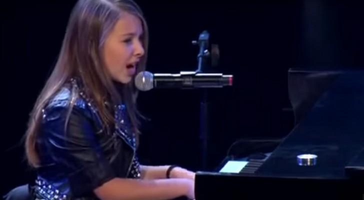 Ze neemt plaats achter de piano en zingt What a Wonderful World: deze 15-jarige weet je te betoveren