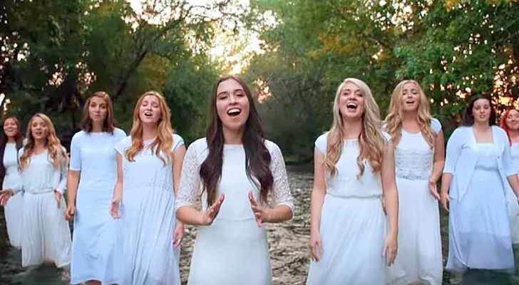 9 girls line up: their voices together will give you chills !
