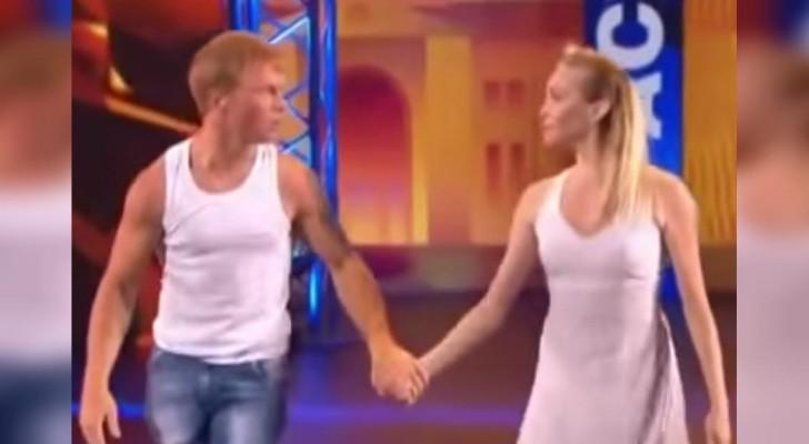 2 danseurs se préparent sur scène: quand le plan va s'élargir vous serez bluffés!