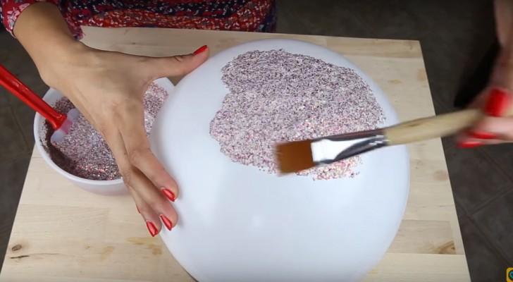 Mistura cola de vinil com glitter e cria algo brilhante!