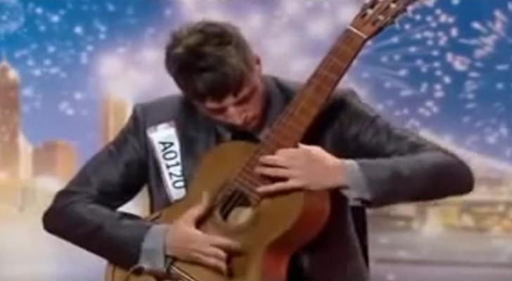 Coloca as mãos no violão: poucos depois todos ficam de boca aberta