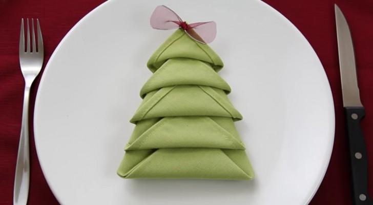 wie man eine serviette in einen weihnachtsbaum verwandelt lerne diesen und 7 weitere tricks. Black Bedroom Furniture Sets. Home Design Ideas