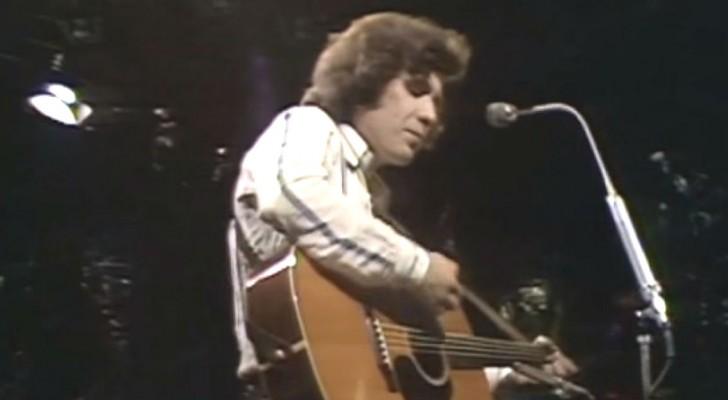 Ha sido una cancion famosisima...disfruten esta version al vivo del '72. Bellisima!