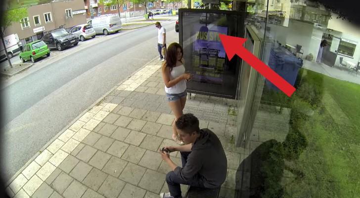 Tijdens het wachten bij de bushalte, zien ze iets dat hen sprakeloos achterlaat. BRILJANT!